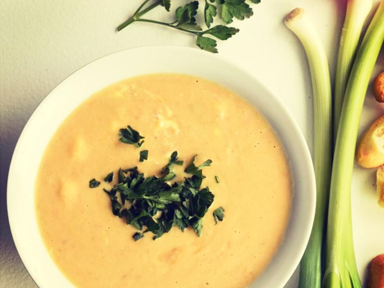 Creamy Potato and Tomato Soup