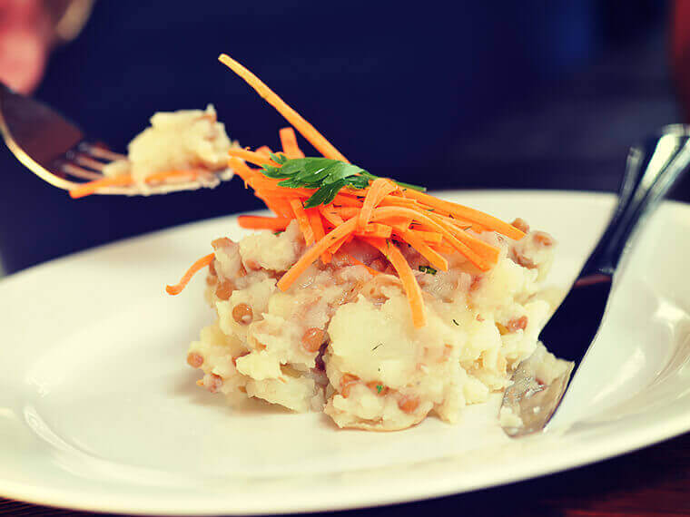 Mashed potato with lentils and fresh carrots
